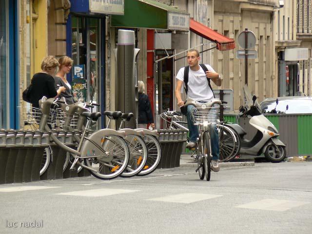 Velib - Paris' Bicycle Transit System